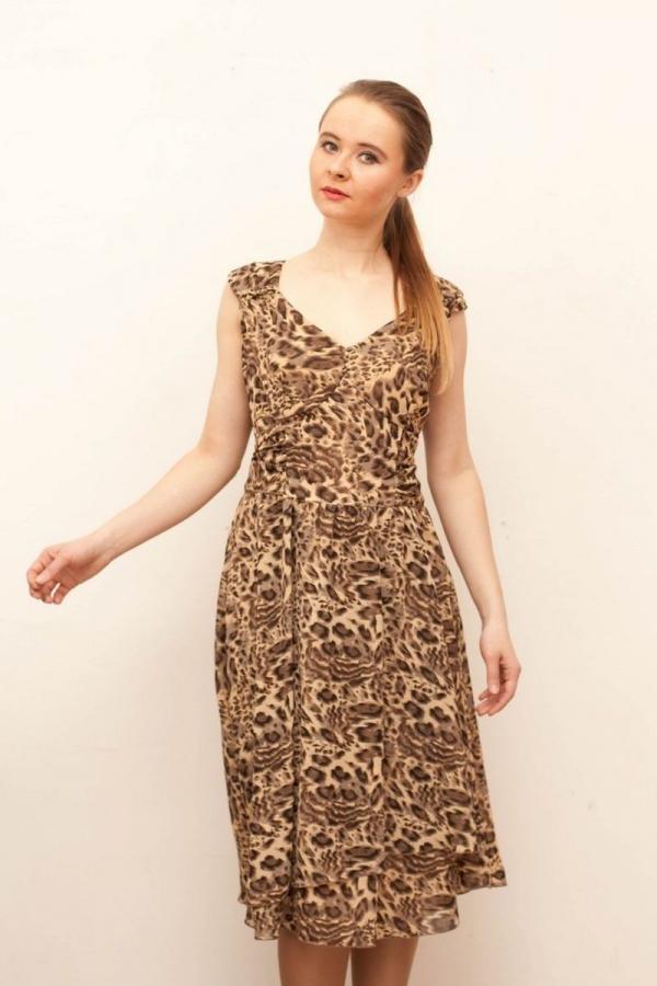 Платье с v-образной горловиной и без рукава из воздушного шифона. Размер: 42-52. Цвета: коричневый, чёрный