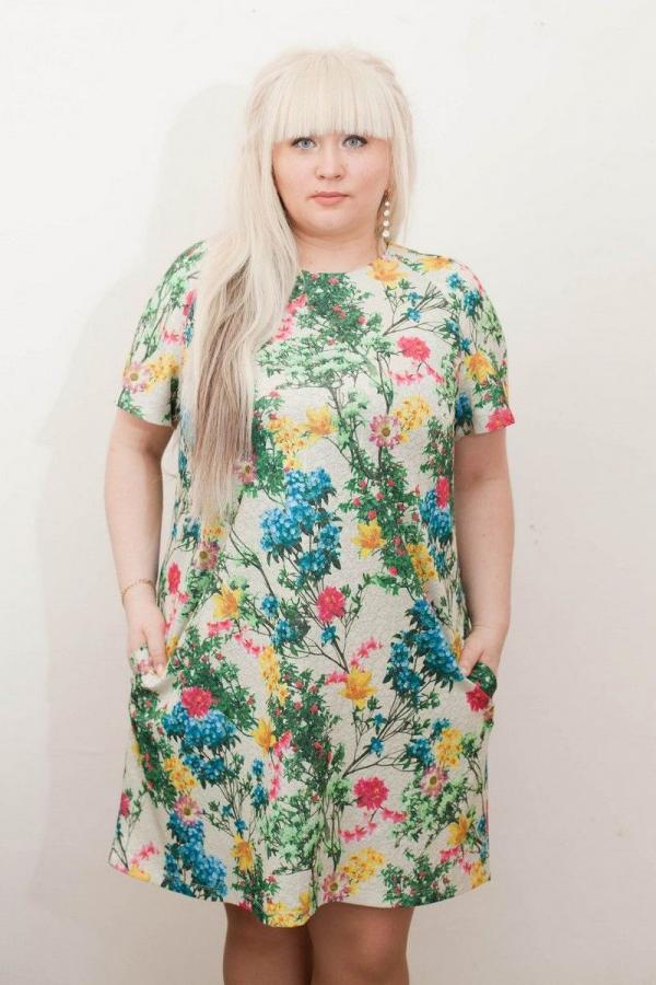 Платье-миди из трикотажа. Ткань не мнется, приятная к телу.