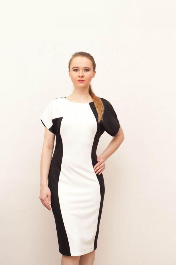 Платье-футляр из приятного, мягкого трикотажа с асимметричным контрастным кроем. Размер: 44-58. Цвета: белый, чёрный