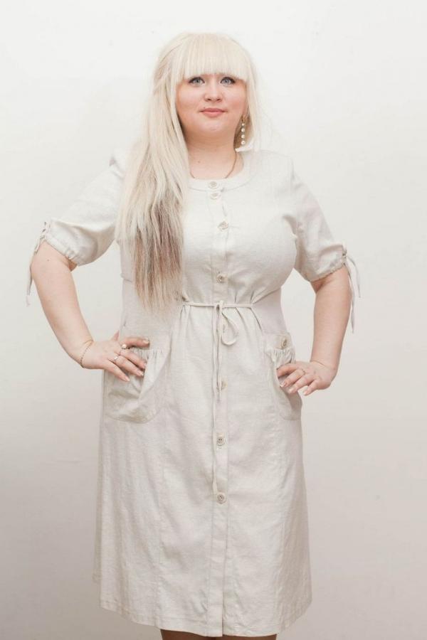 Платье сафари с поясом. Рубашечный воротник. Силуэт прямой регулируется встроченным поясом. Размер: 46-58. 100%-лён. Цвета: белый, серый, бежевый